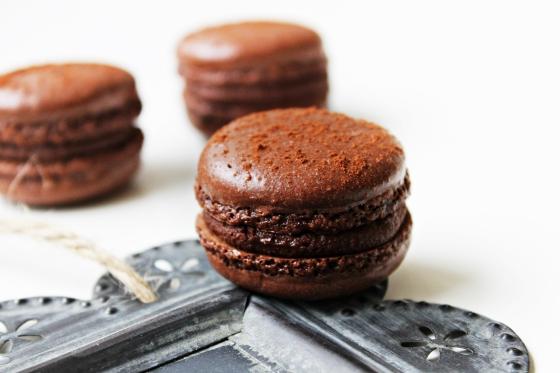 Chokladmacarons med kanel-chokladganache